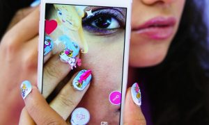 how-augmented-reality-beauty-is-powering-a-self-expression-revolution-body-image-1462470520