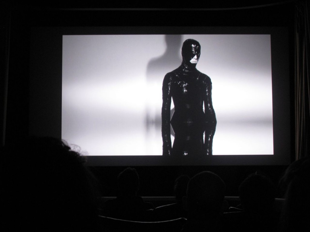 Inside the screening of The Black Soft's TOTU PEP – Pulp Lab